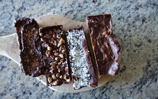 Home for the Holidays {Raw Vegan Chocolate Bars}